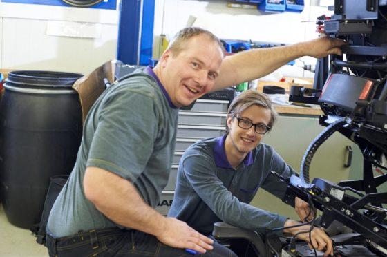 Voort en Cadac Group leiden jonge technici op