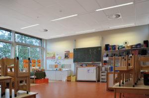 Elk klaslokaal heeft een gezond en fris binnenklimaat door de temperatuur en CO2-concentratie continu te meten en optimaal te regelen.